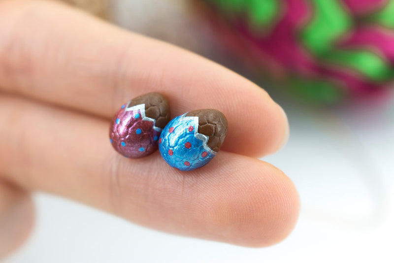 products/handmade_polymer_clay_metallic_blue_red_color_easter_chocolate_egg_stud_earrings_3-2.jpg