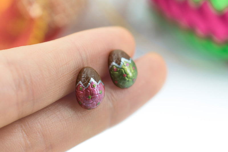 products/handmade_polymer_clay_metallic_red_green_color_easter_chocolate_egg_stud_earrings_1-2.jpg