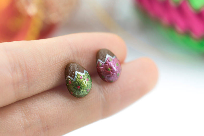 products/handmade_polymer_clay_metallic_red_green_color_easter_chocolate_egg_stud_earrings_2-2.jpg
