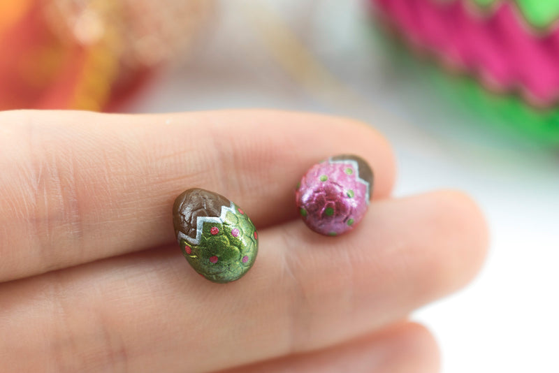 products/handmade_polymer_clay_metallic_red_green_color_easter_chocolate_egg_stud_earrings_3.jpg