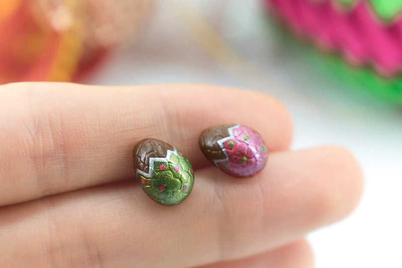 products/handmade_polymer_clay_metallic_red_green_color_easter_chocolate_egg_stud_earrings_4-2.jpg