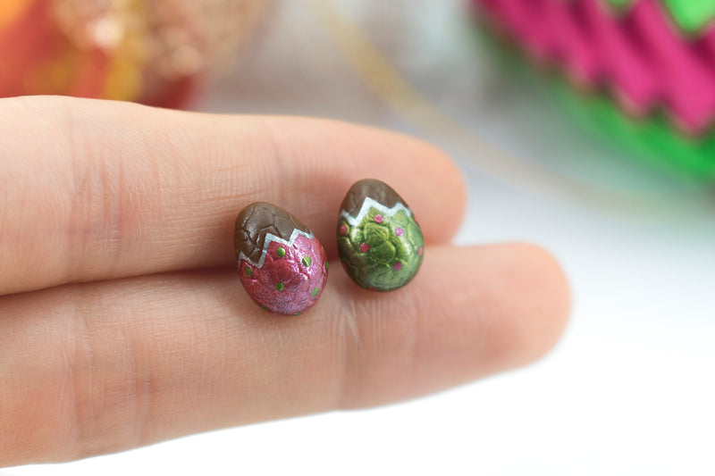 products/handmade_polymer_clay_metallic_red_green_color_easter_chocolate_egg_stud_earrings_5.jpg