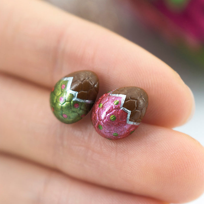 products/handmade_polymer_clay_metallic_red_green_color_easter_chocolate_egg_stud_earrings_6_crop.jpg