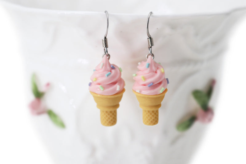 products/handmade_polymer_clay_pink_ice_cream_sugar_cone_earrings_1.jpg