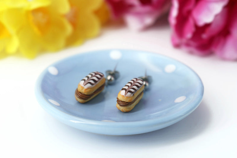 products/handmade_polymer_clay_stuffed_eclair_stud_earrings_with_choco_whipped_cream_4.jpg