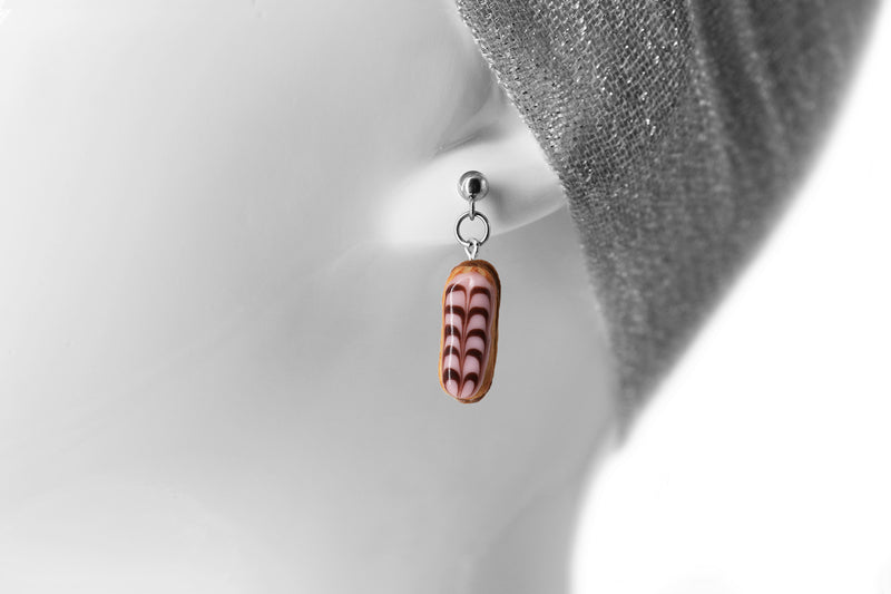 products/handmade_polymer_clay_stuffed_eclair_stud_earrings_with_chocolate_whipped_cream_5.jpg