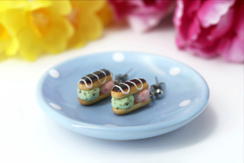 products/handmade_polymer_clay_stuffed_eclair_stud_earrings_with_ice_cream_1.jpg