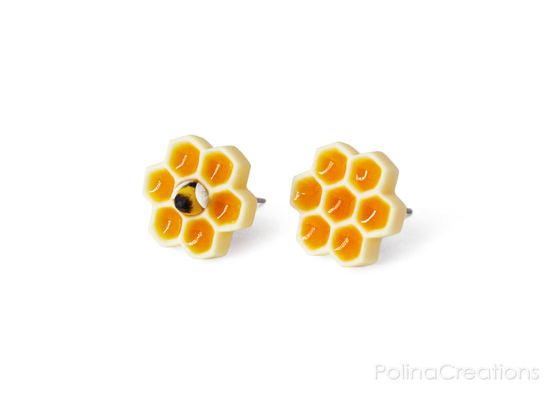 products/honeycomb_bee_earrings_polina_creations_1.jpg