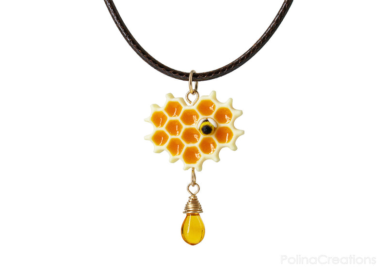 products/honeycomb_bee_necklace_polina_creations_1.jpg