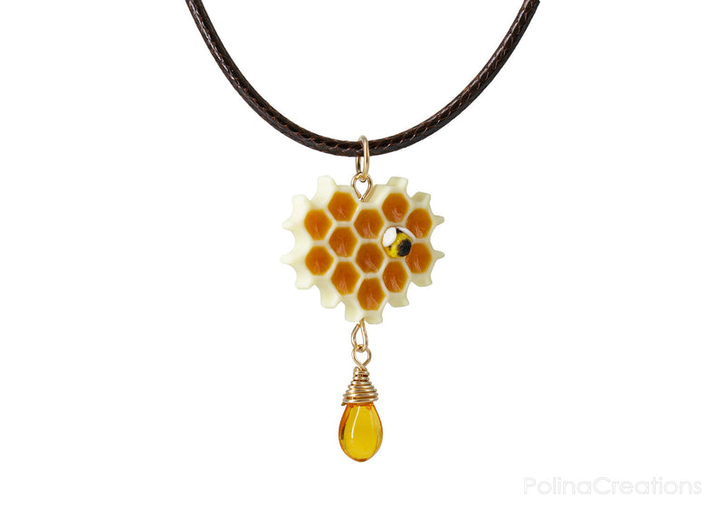 products/honeycomb_bee_necklace_polina_creations_4.jpg