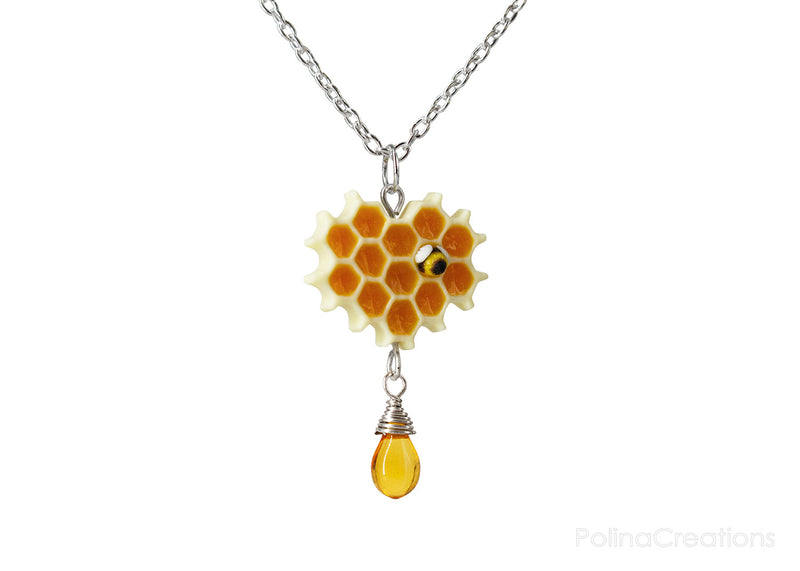 products/honeycomb_bee_necklace_silver_polina_creations_5.jpg