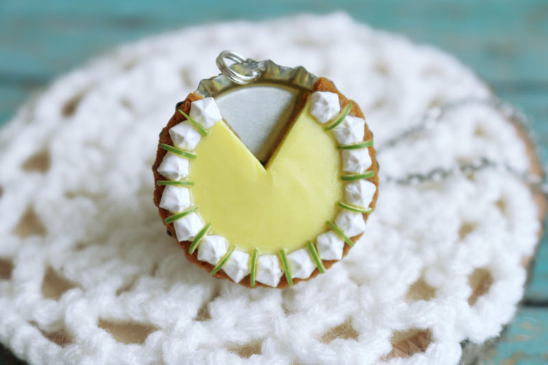 products/key_lime_pendant_3.jpg