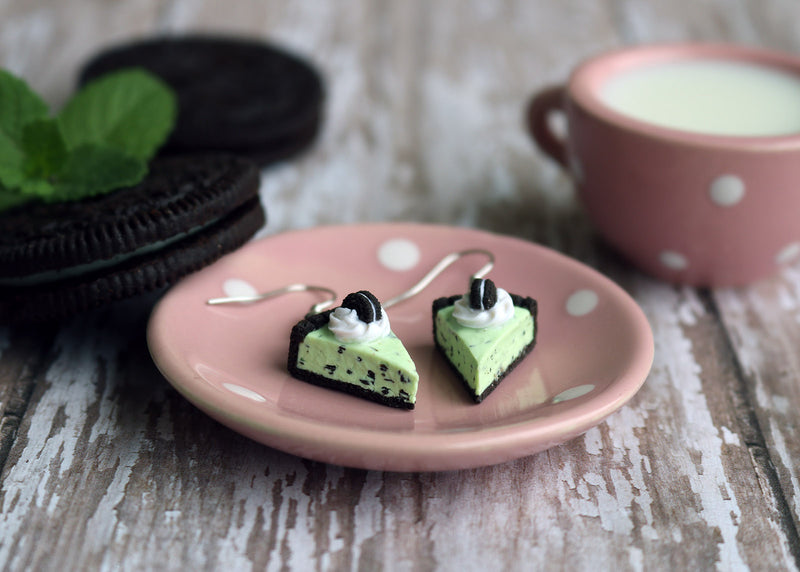 products/oreo_mint_chocolate_chip_ice_cream_pie_earrings.jpg