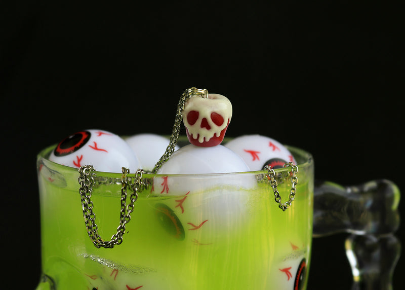 products/poison_apple_pendant-2.jpg