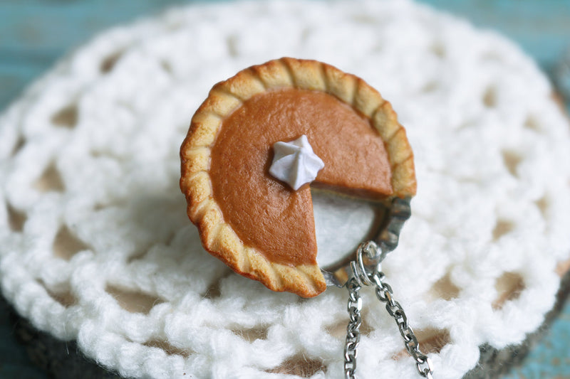 products/pumpkin_pie_pendant_3.jpg