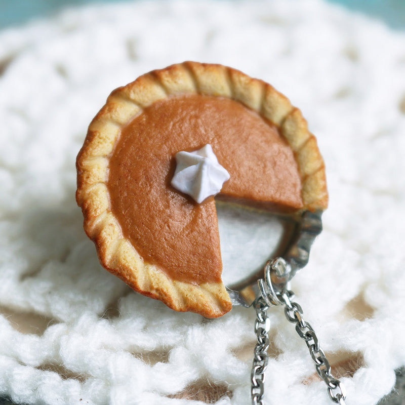 products/pumpkin_pie_pendant_3_crop.jpg
