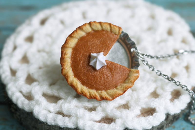 products/pumpkin_pie_pendant_5.jpg