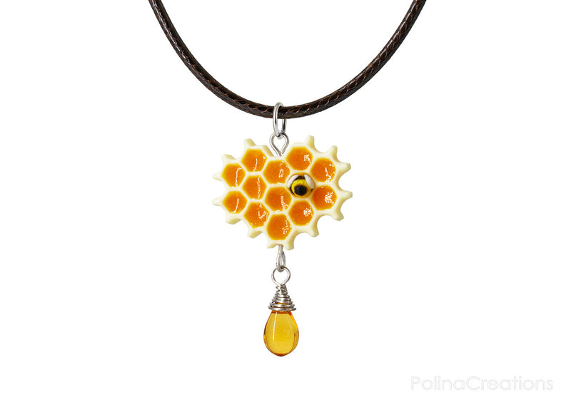 products/sRGB_honeycomb_bee_necklace_silver_polina_creations_1.jpg
