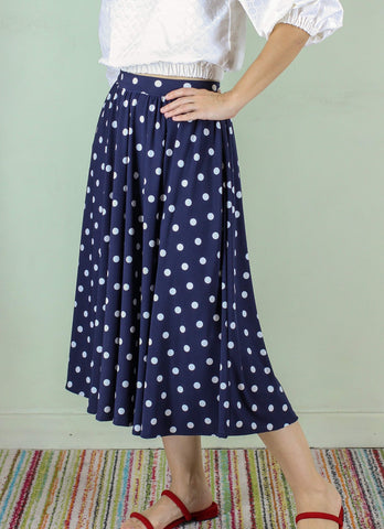 Oscar Pleated Skirt in Navy Polka