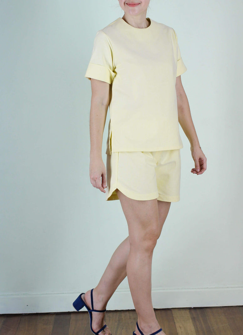 Alida Shorts in Yellow