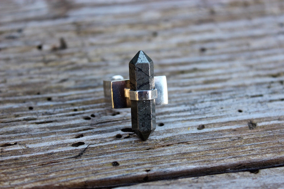 SOLD OUT  - HEMATITE POINT - ref.S123