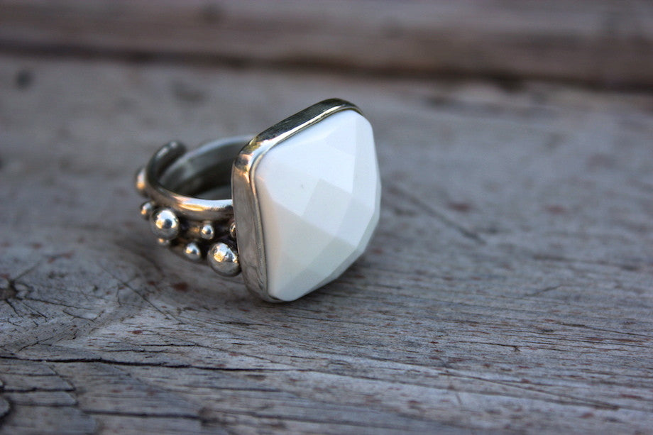 WHITE JADE RING - ref.A4015