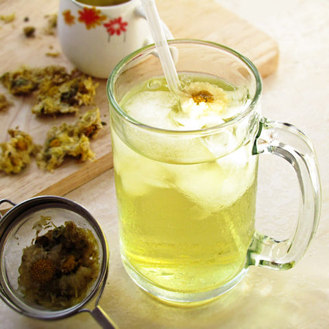 Chrysanthemum iced tea, from China and East Asia, effectively beats the roasting summer heat