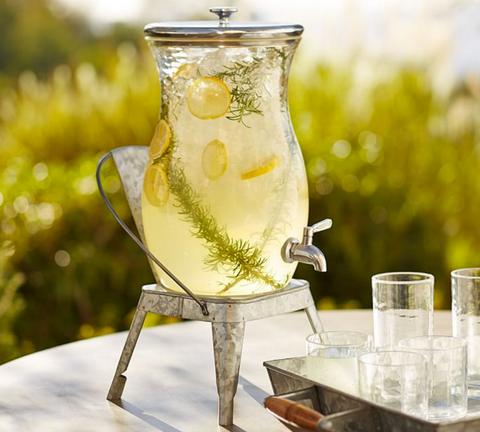 lemonade, outdoor wedding essential