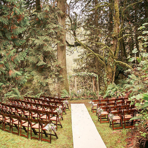 Treehouse point outdoor wedding
