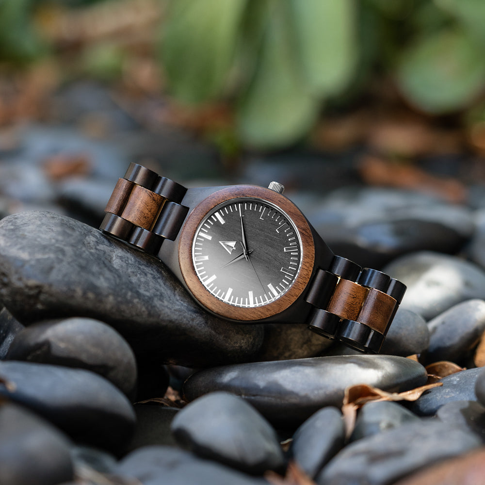 Classic Black Stainless Walnut Theo