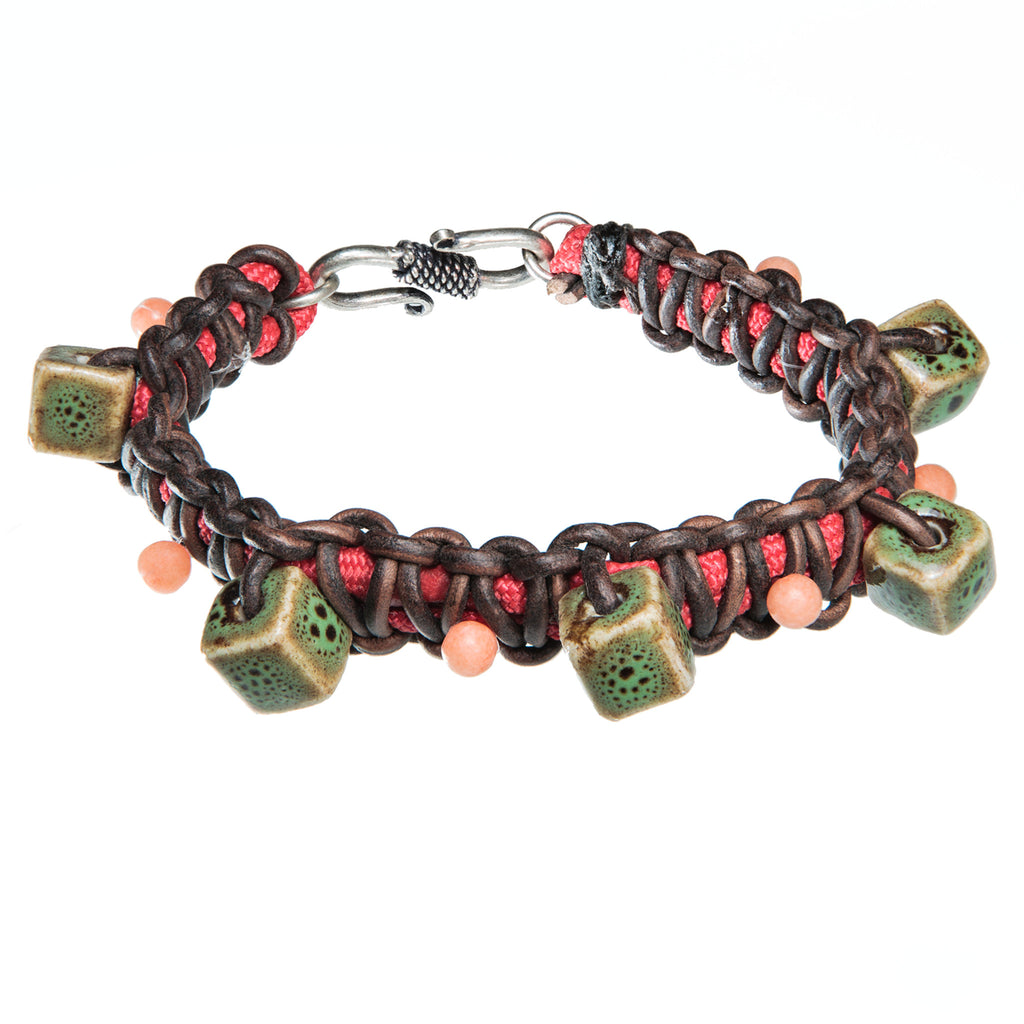 Red and brown braided leather and paracord bracelet with green ceramic beads, Bracelet, Tales of Travel - Hraun- Art and design