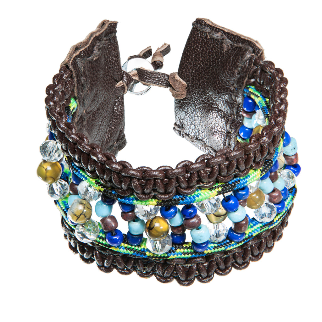Brown leather bracelet with paracord and blue beads, Bracelet, Tales of Travel - Hraun- Art and design