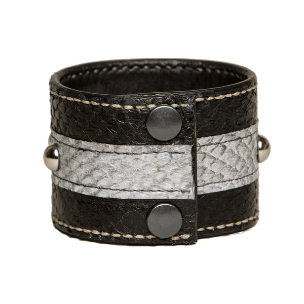 Black salmon fishleather cuff with studs and star