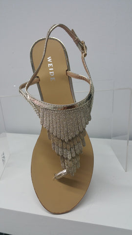 Chic sandals In Gold With Subtle Sparkle