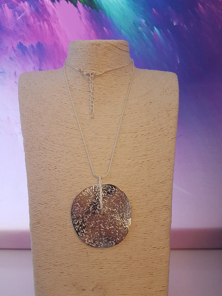 Abstrct Circle Necklace With Hammered Disc