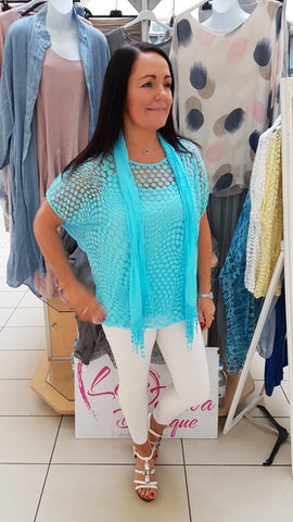 Beautiful Devoire Top In Turquoise With Scarf