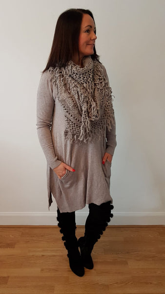 Elegant Tunic Top With Funky Scarf To Match