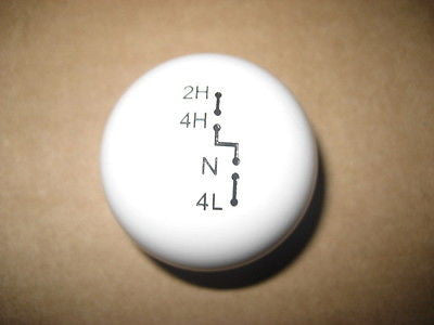 "NP208 transfer case shift knob: 7/16""-20 for 1981 only Chevy & GMC C/K trucks"