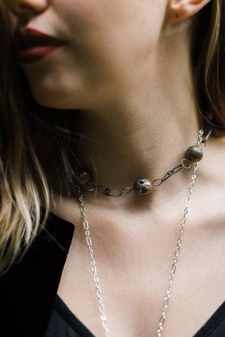 vintage inspired metallic ball and chain choker necklace