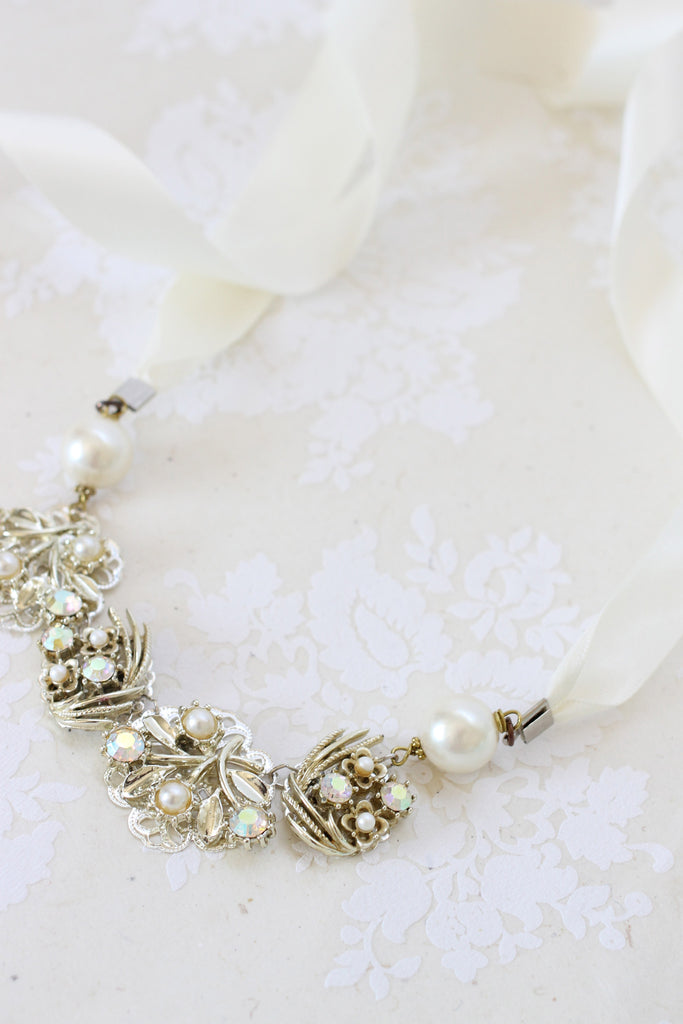 Ribbon bridal necklace LAOGHAIRE (LEE-REE)