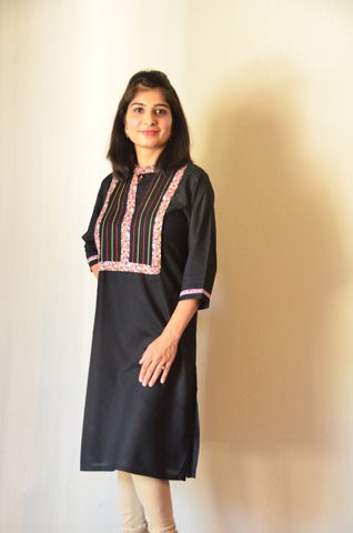 Elegant in black - Nursing kurta with concealed zippers