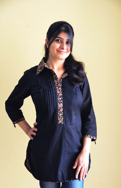 Collared black nursing kurta to feed discreetly