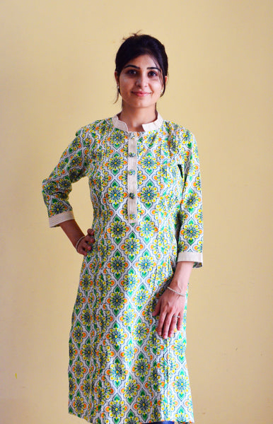 Beautiful green and white printed nursing kurta for feeding