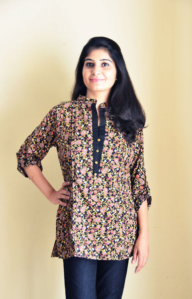 Floral feeding kurti for breastfeeding mothers