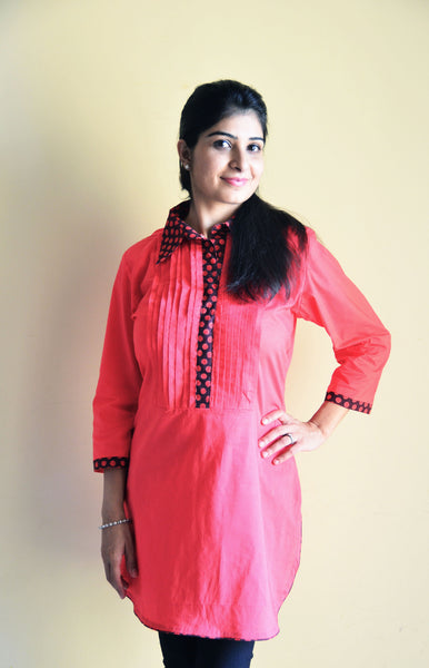 Collared Coral Nursing and Feeding kurti