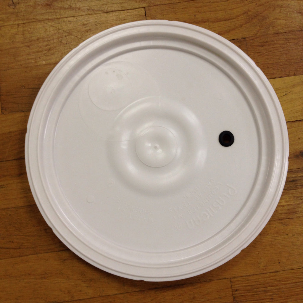 BSG 6.5 Gallon Bucket Lid - Drilled & Grommeted for Airlock