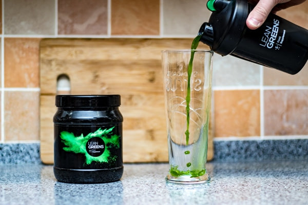 When Is The Best Time To Drink A Greens Powder? #UpgradeYourNutrition #LeanGreens #GreensPowder