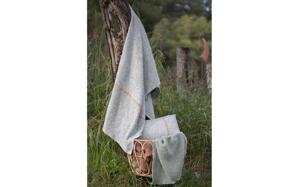 Riva light cotton throw