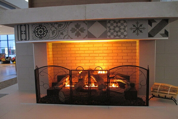 Traditional Looking Water Vapor Fireplace