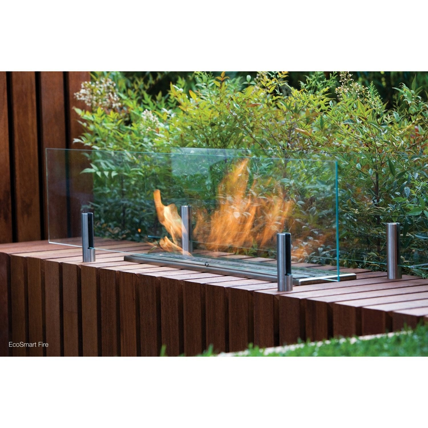 Outdoor Fireplace with with EcoSmart Fire Twin Feet Fixings